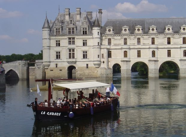 Chenonceaux by boat