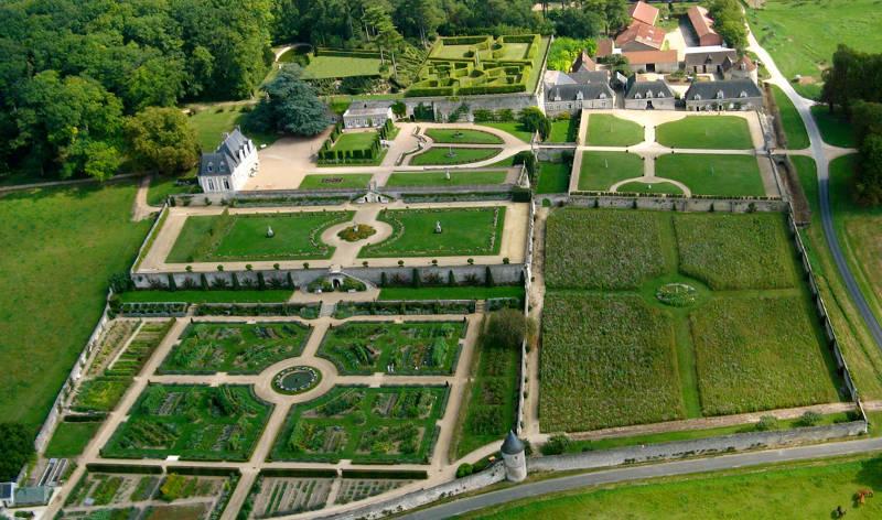 CDT37-tfinal-Chateau-de-Valmer-aerien