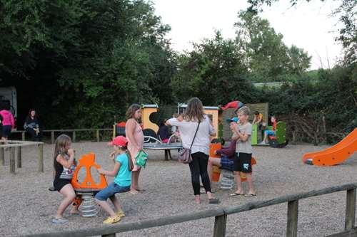 Camping le Jardin Botanique (8)