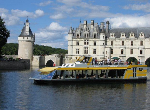 La Bélandre boat-restaurant