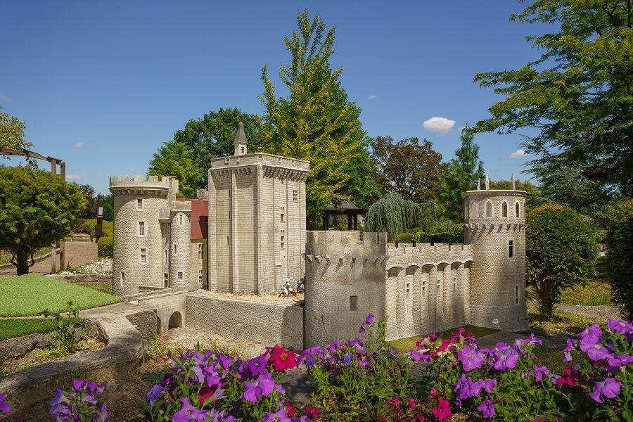 Loire Valley Mini-Châteaux – Amboise, France.